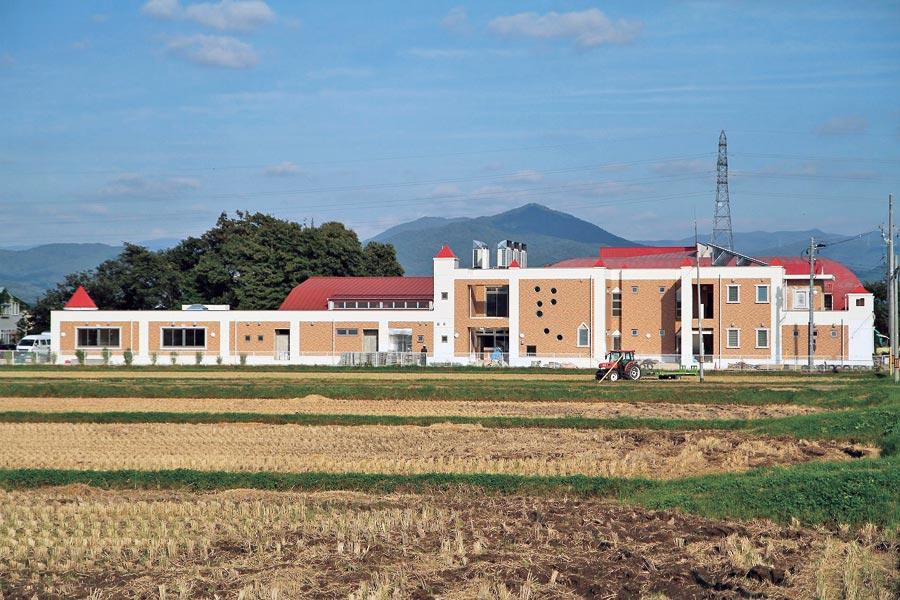 矢巾中央幼稚園(岩手県矢巾町)/健やかな成長と豊かな情操を養う、広々と明るい雰囲気。